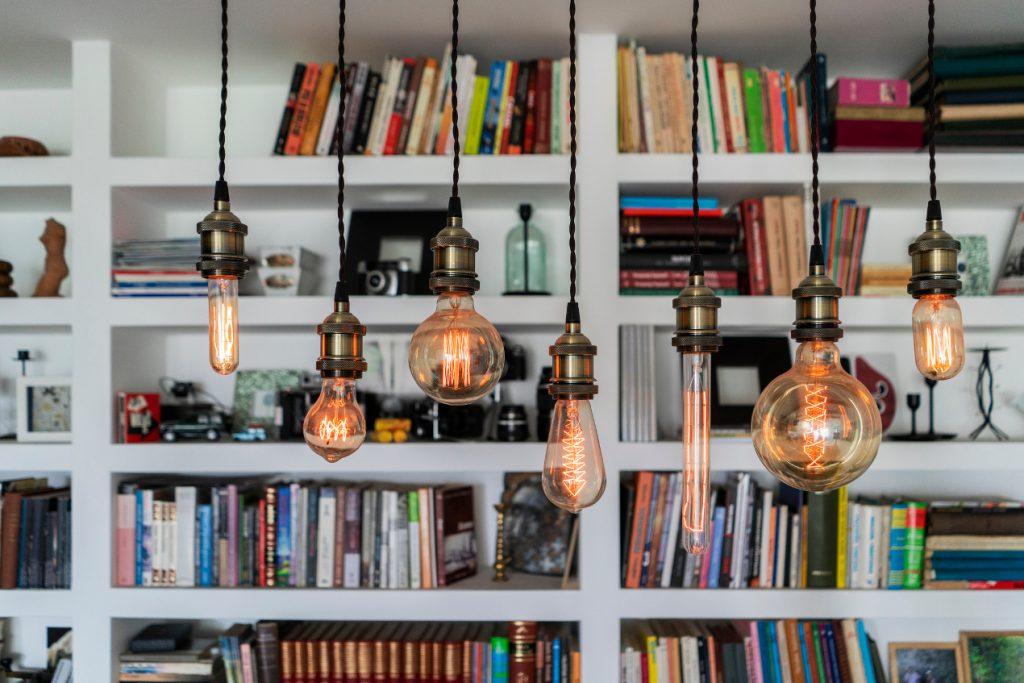 oświetlenie biblioteczki
