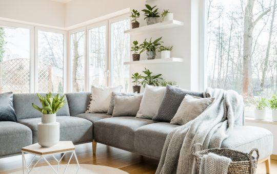 poduszki na narożniku