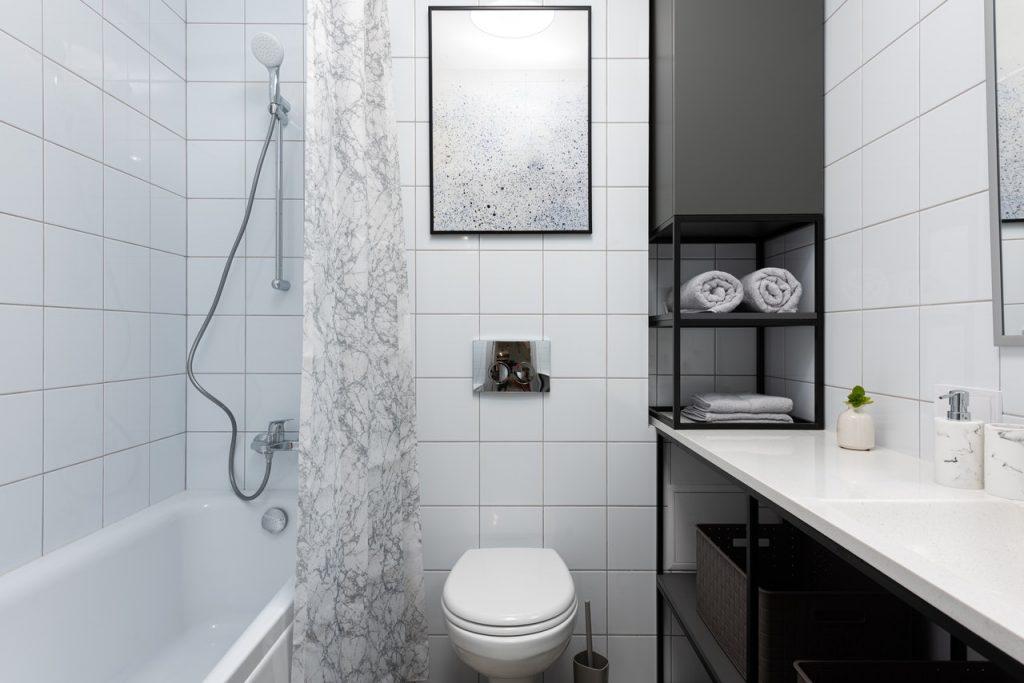 zestaw podtynkowy WC miska ze stelażem i spłuczką